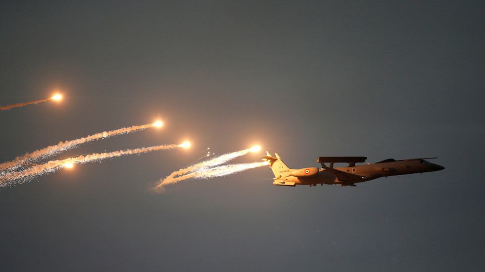 Indian Jets Bomb Pakistan. Military Says It Targeted Terrorist Camps