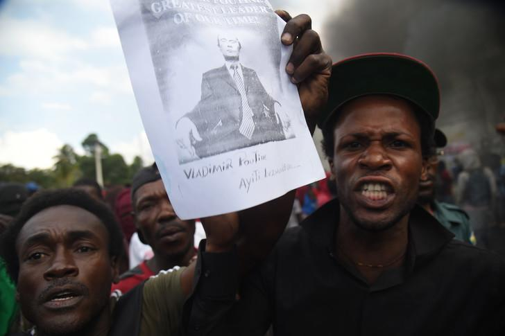 """""""Down With Americans, Long Live Putin!"""" Haitian Protesters Seek Russian Help Against US """"Puppet"""" Regime"""
