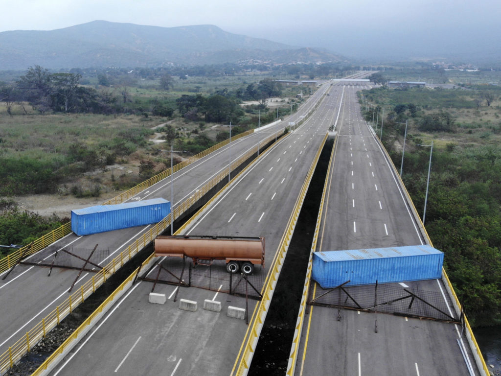 "Bridge ""Blocked"" At Colombia-Venezuela Border Crossing To Stop US Humanitarian Aid Has Been Never Opened"