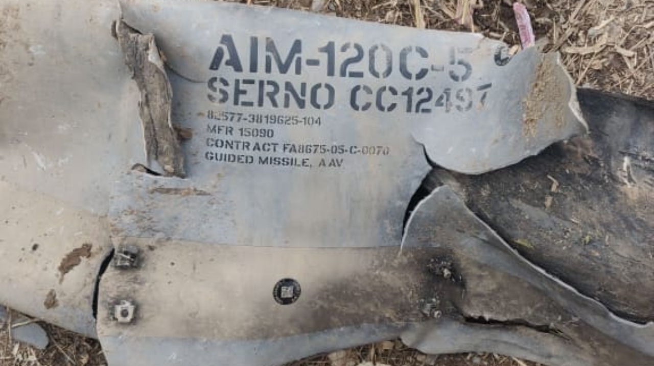 India Shows Wreckage Of US-Made Air-To-Air Missile, Media Says Pakistani Warplane Fired It Before Being Shot Down