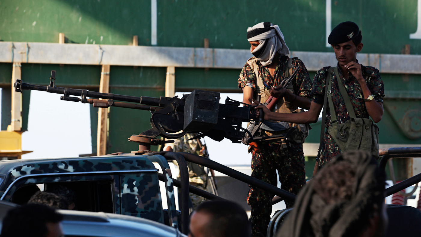 UAE-Backed Southern Separatists Capture Several Bases In Aden, Besiege Presidential Palace
