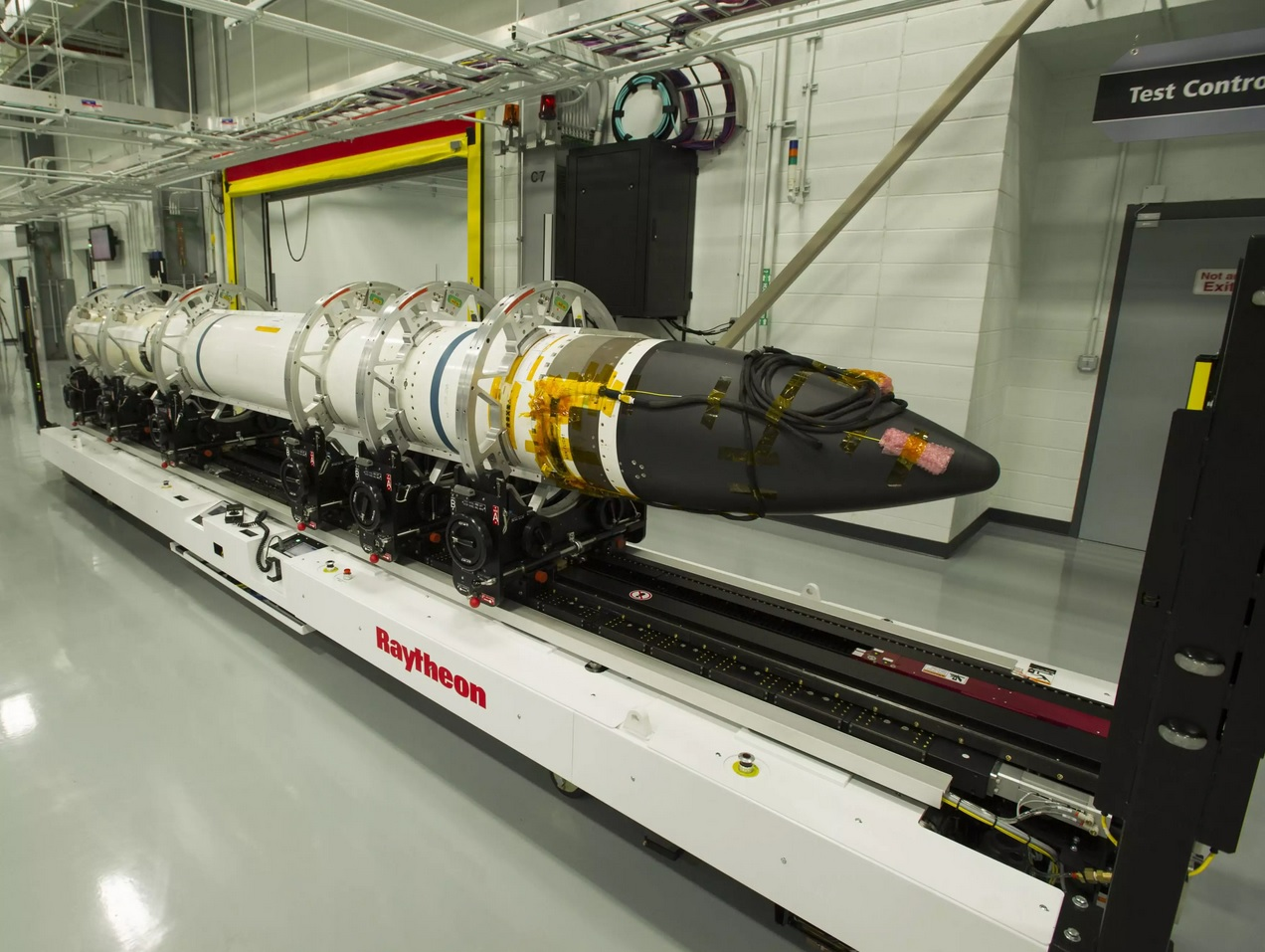US Navy To Improve Its Versatile SM-6 Missile With Longer Range And Higher Speed