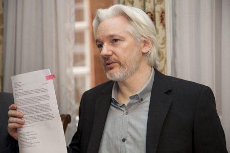"""Caitlin Johnstone: """"Assange's Imprisonment Reveals Even More Corruption Than WikiLeaks Did"""""""
