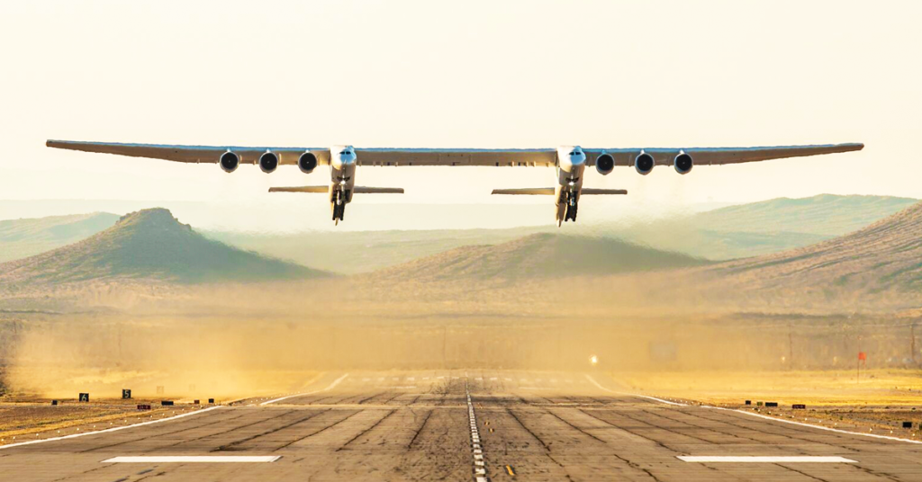 World's Largest Aircraft Successfully Carried Out Its First Test Flight (Video)