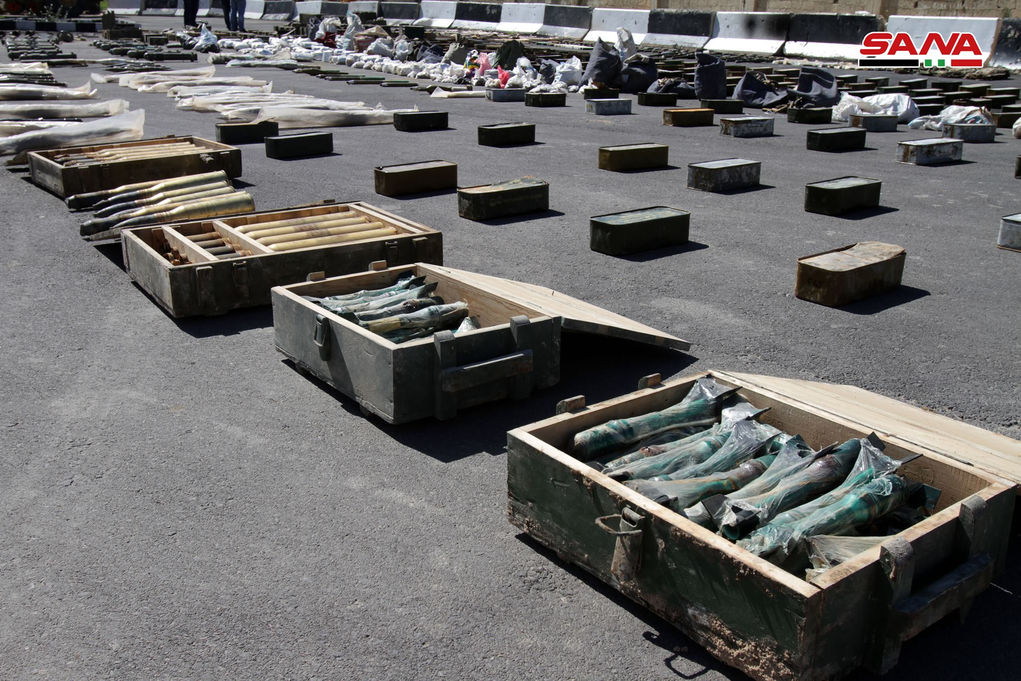 Syrian Army Uncovers Dozens Of US-Supplied Anti-Tank Rockets Near Damascus (Photos)