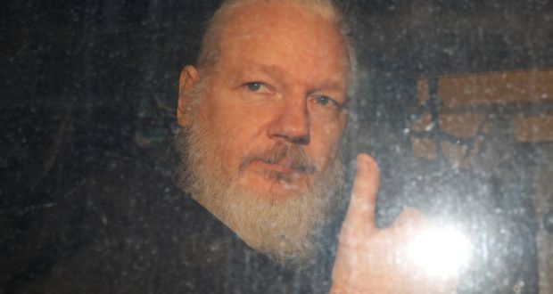Senator Claims Assange Is U.S. 'Property'. Mainstream Media And Politicians Celebrate WikiLeaks Founder Detention
