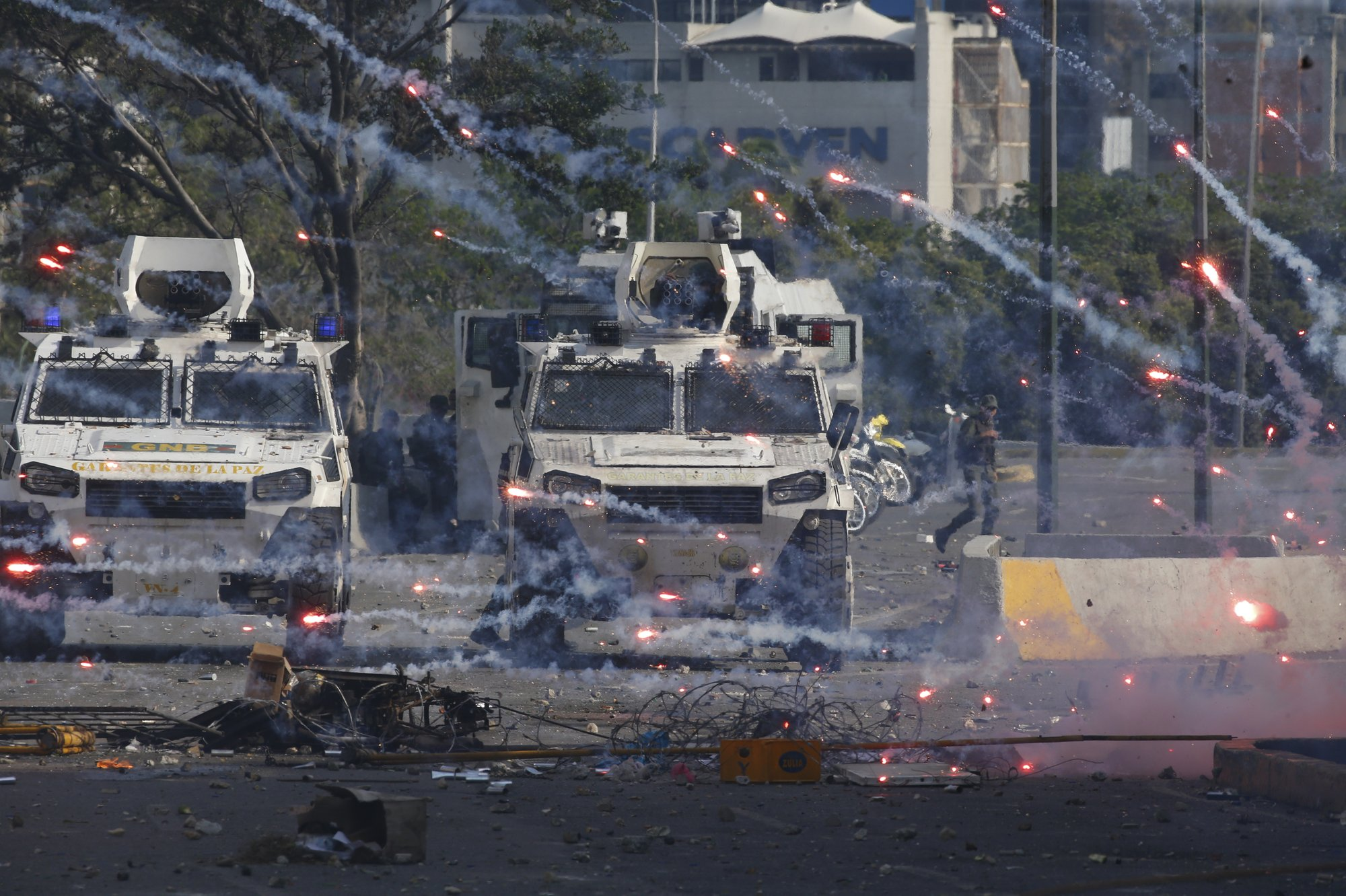 """Rival Protests For Labor Day in Venezuela. Russia Warns of """"Grave Consequences"""" If US Intervenes"""