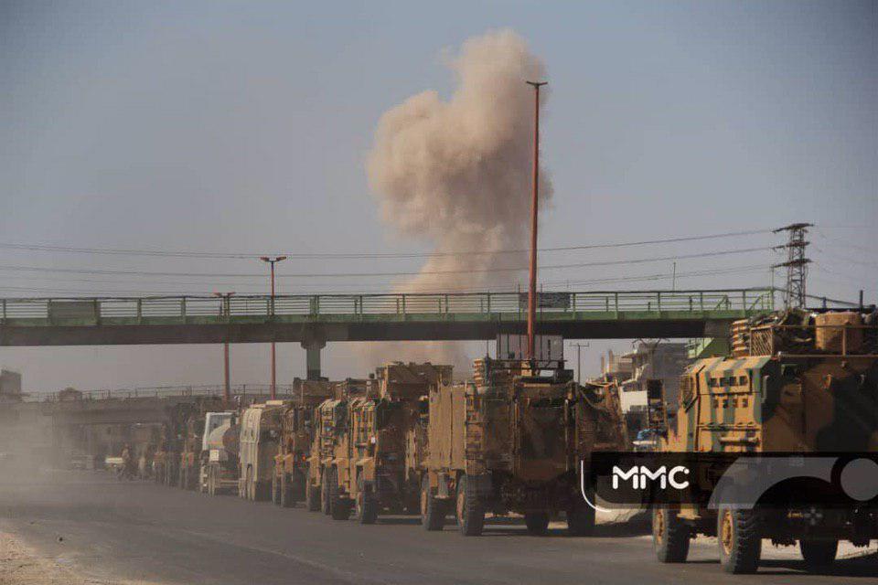Turecký Vojenský Konvoj Ponáhľajúcich Až Na Záchranu Militantov V Khan Shaykhun. Sýria Reaguje S Upozornením Nálety