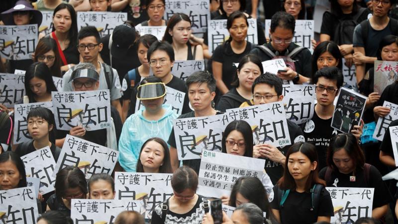 """China Warns Trump It Won't Make Trade Concession If US """"Plays Hong Kong Card"""""""