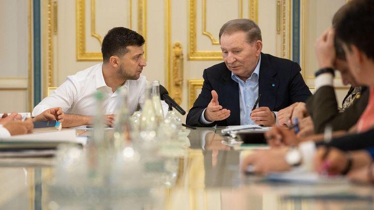 "Zelensky Follows ""Poroshenko Formula"" In Minsk Negotiations On Conflict In Eastern Ukraine"