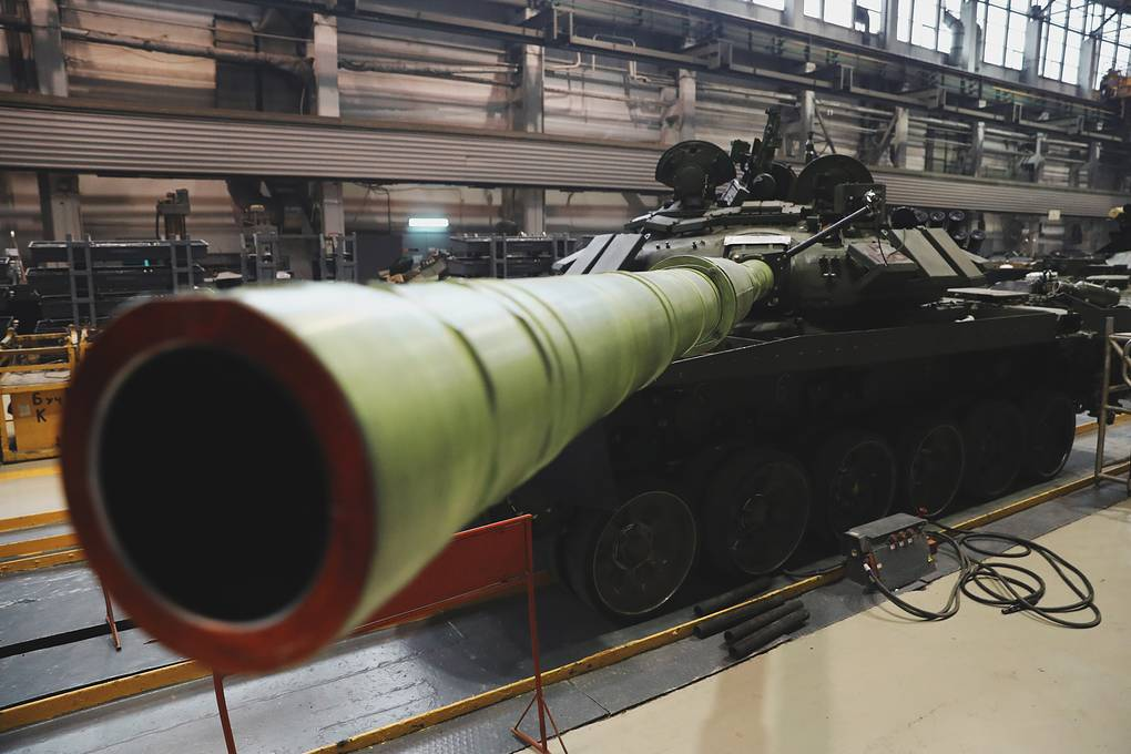 Closer Look At Russia's Efforts To Upgrade Its T-72 Battle Tanks To Modernized T-72B3