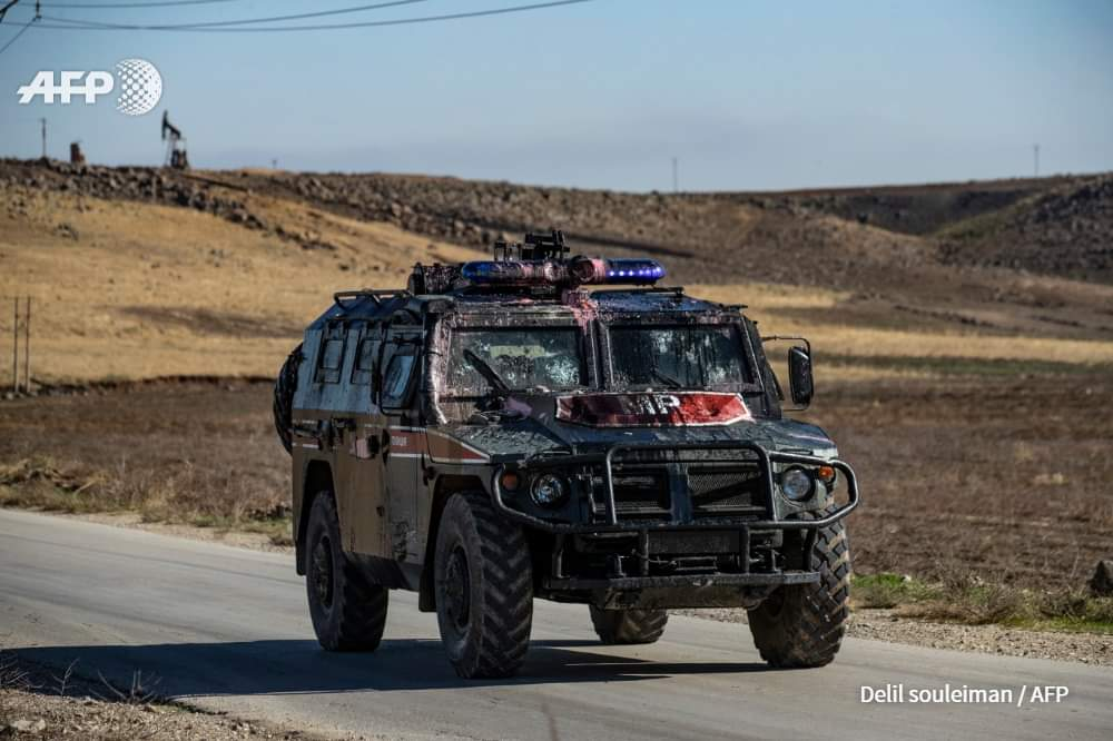 In Photos: SDF Supporters Throwing Stones At Turkish And Russian Vehicles