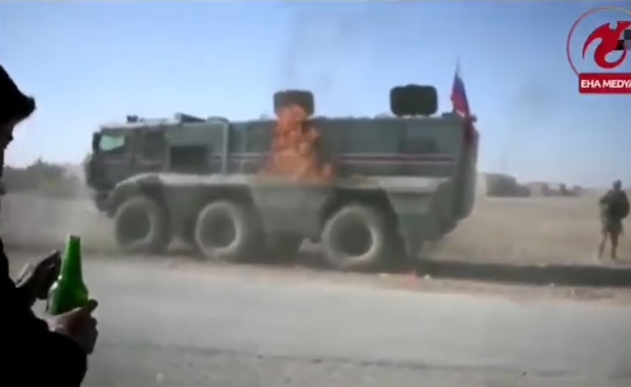 Kurdish Provocateurs Attempt To Burn Russian Military Vehicle In Northern Syria (Video)