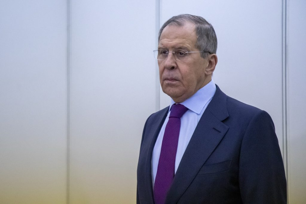 Russian Foreign Minister Warns: Europe Is Sliding Towards Confrontation