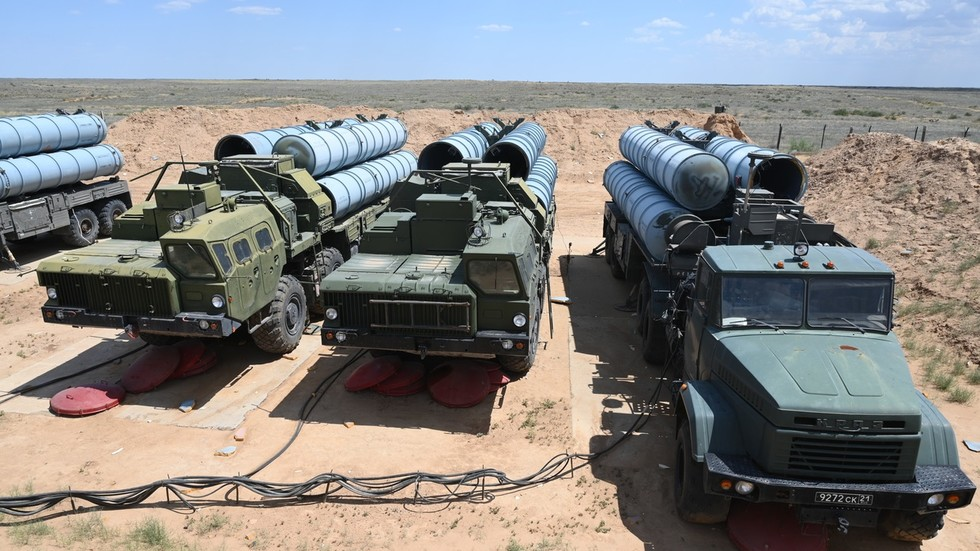 Iraq and Russia Negotiation on Purchase of S-300 Missile Defense System