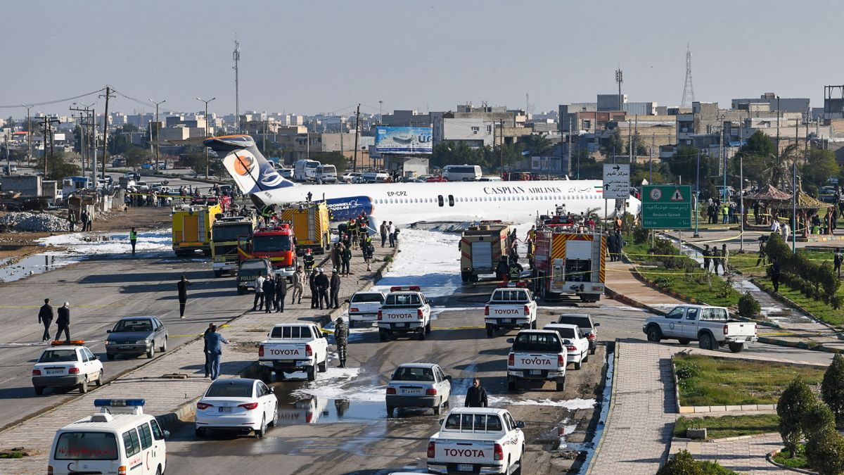 Iranian Passenger Plane Emergency Landed On Highway, All On Board Safe (Videos, Photos)
