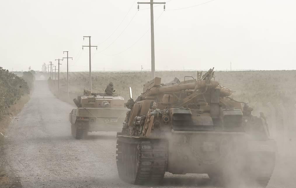 At Least 200 Pieces Of Turkish Military Equipment Cross Border With Syria - TV