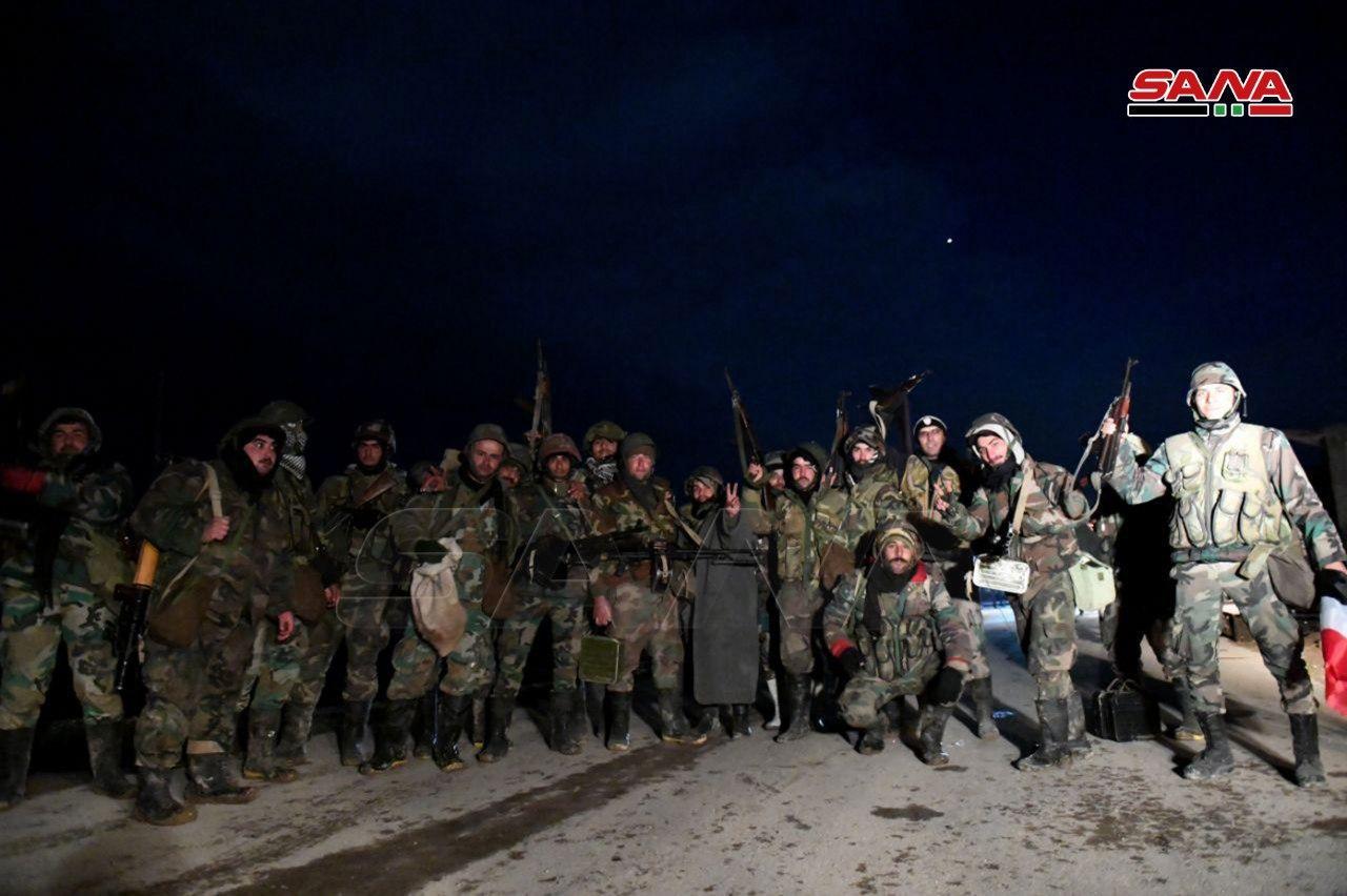 Prvé Fotografie Z DSP Vojakov V Al-Eis Mesta A Kopcami