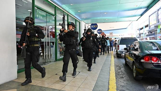 Armed Man Takes Upwards Of 30 Hostage In Shopping Mall In Manila
