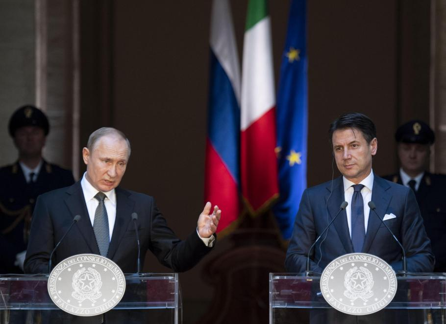 """""""We Want Putin To Rule Us"""" And The Italian Response To Russia's Help"""