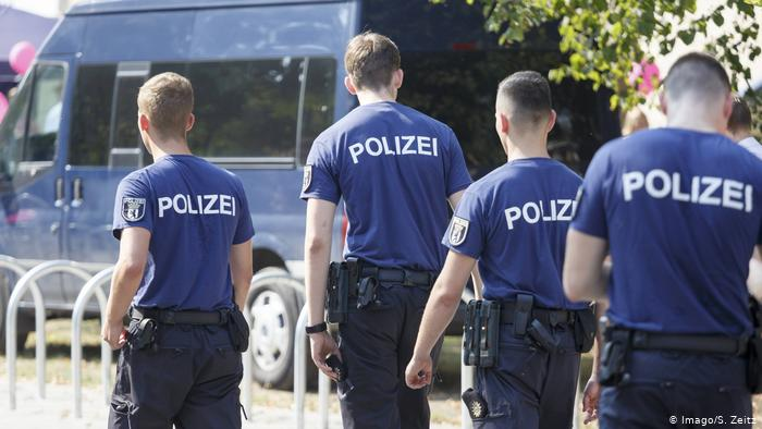 """German Police Desperate To Fill Its Migrant Hiring Quotas And Other Benefits Of """"Multi-Kulti"""""""