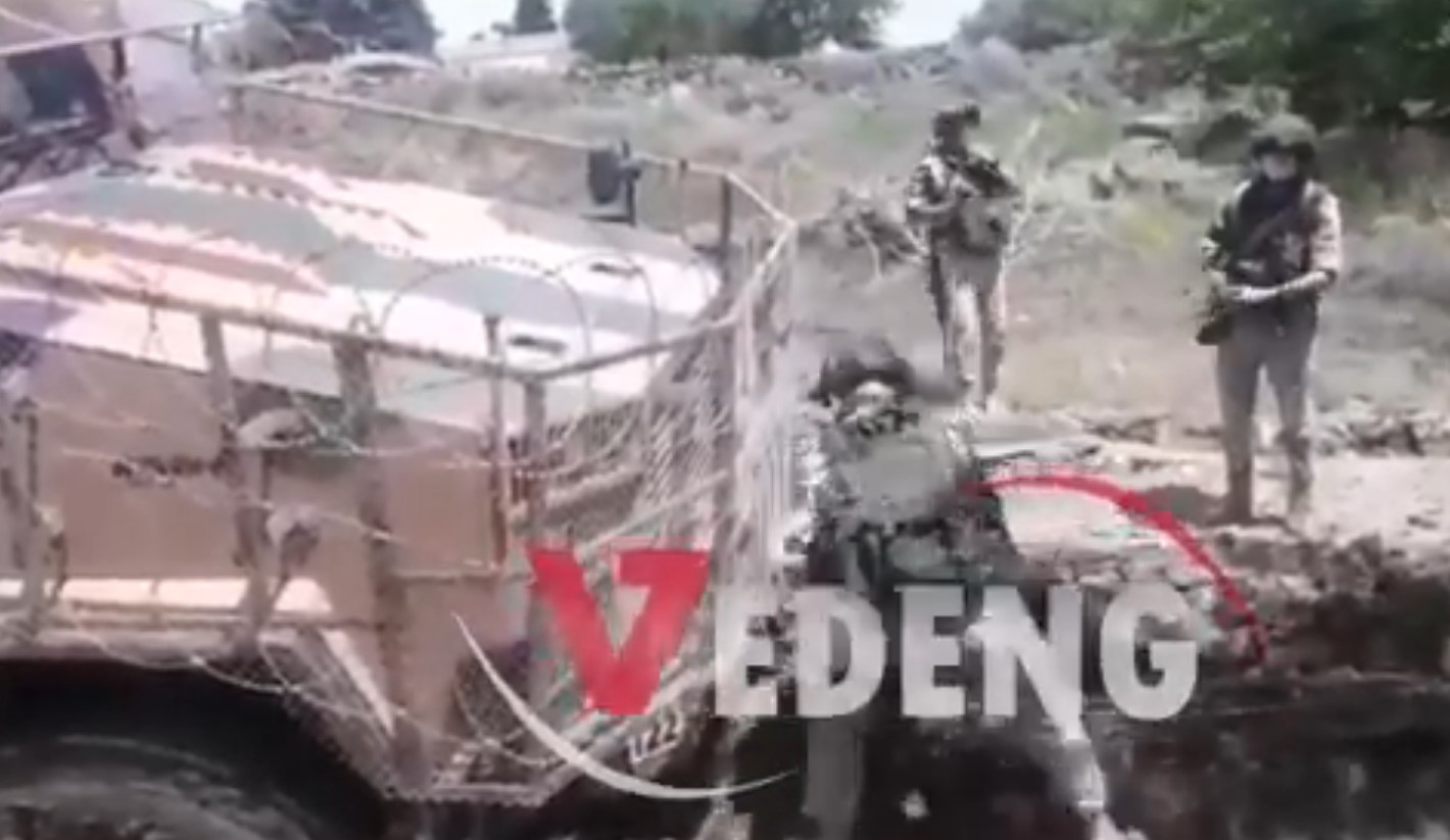 In Video: Russians Help To Rescue Turkish Vehicle That Stuck In Northeastern Syria