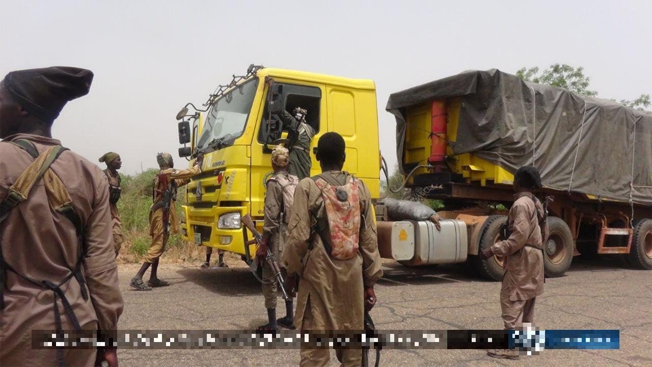 ISIS Terrorists Ambush Nigerian Army Convoy, Capture Several Vehicles (Photos)