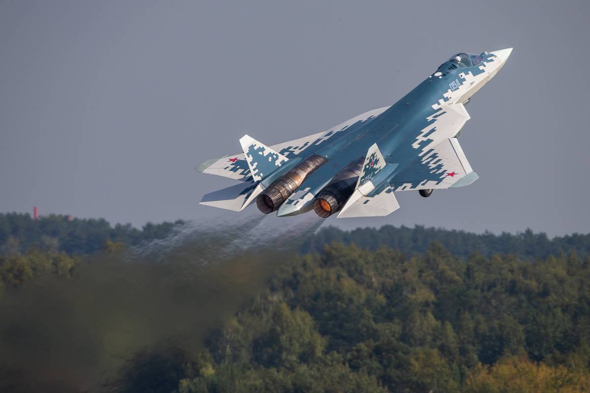 """Russia Experimented With """"Swarm"""" Battle Formation Of Su-35 Jets, Led By Su-57 Fighter Jet"""