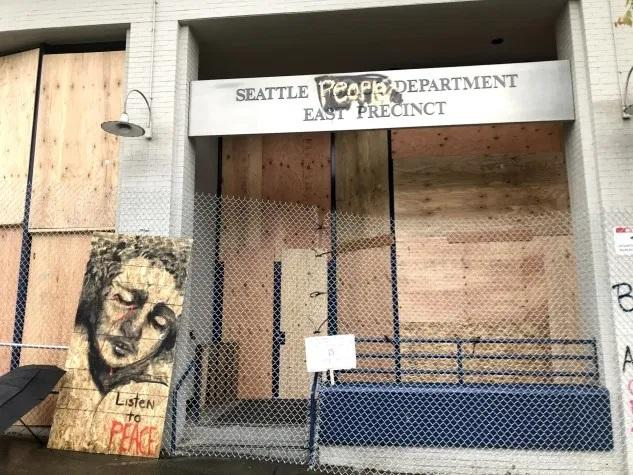 """Seattle Protesters Storm City Hall After Running Cops Out Of Precinct, Establishing """"Autonomous Zone"""""""