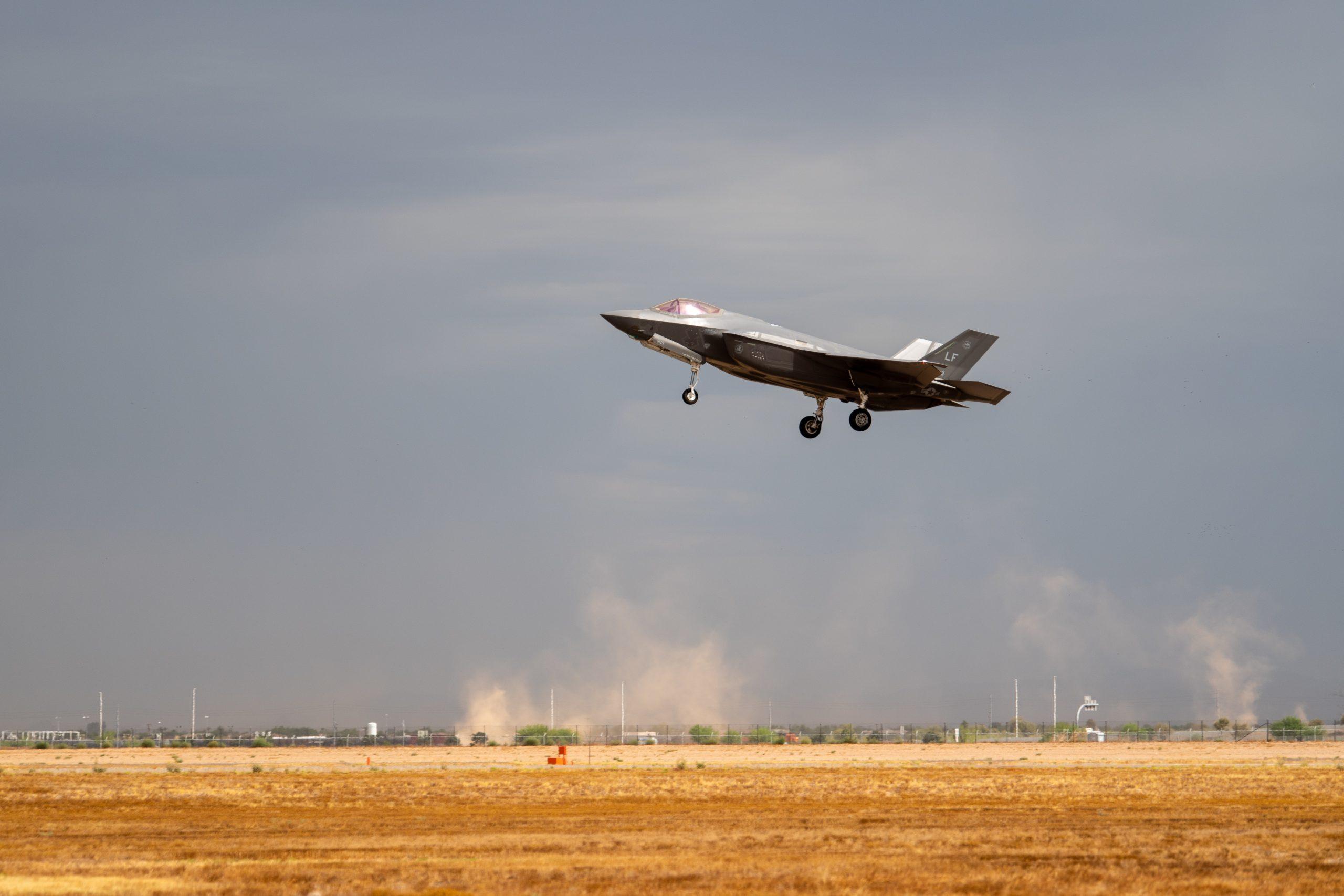 U.S. Air Force F-35A Lightning Can't Fly Near ... Lightning