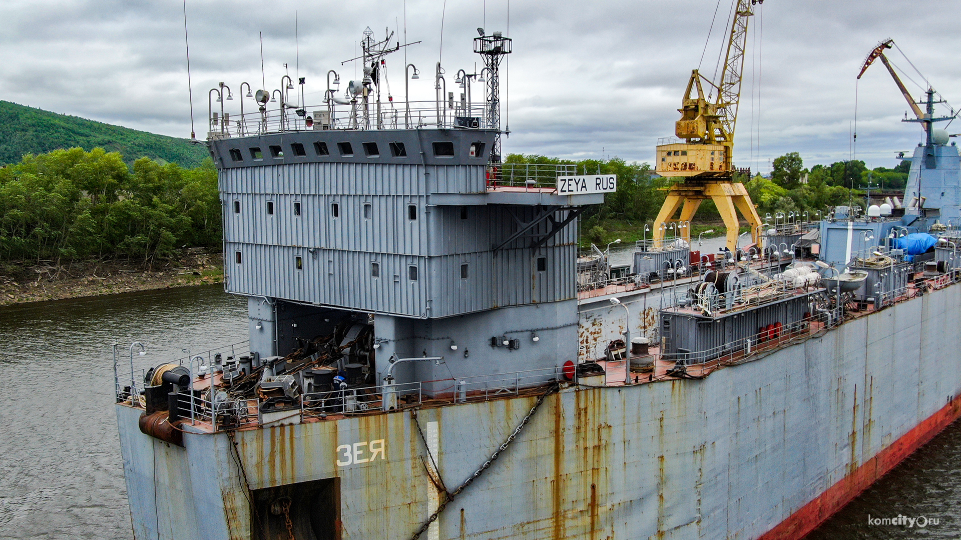 Russian Project 20380 Corvette Transported From Amur Shipyard To Vladivostok Via Floating Transport Dock (Photos)