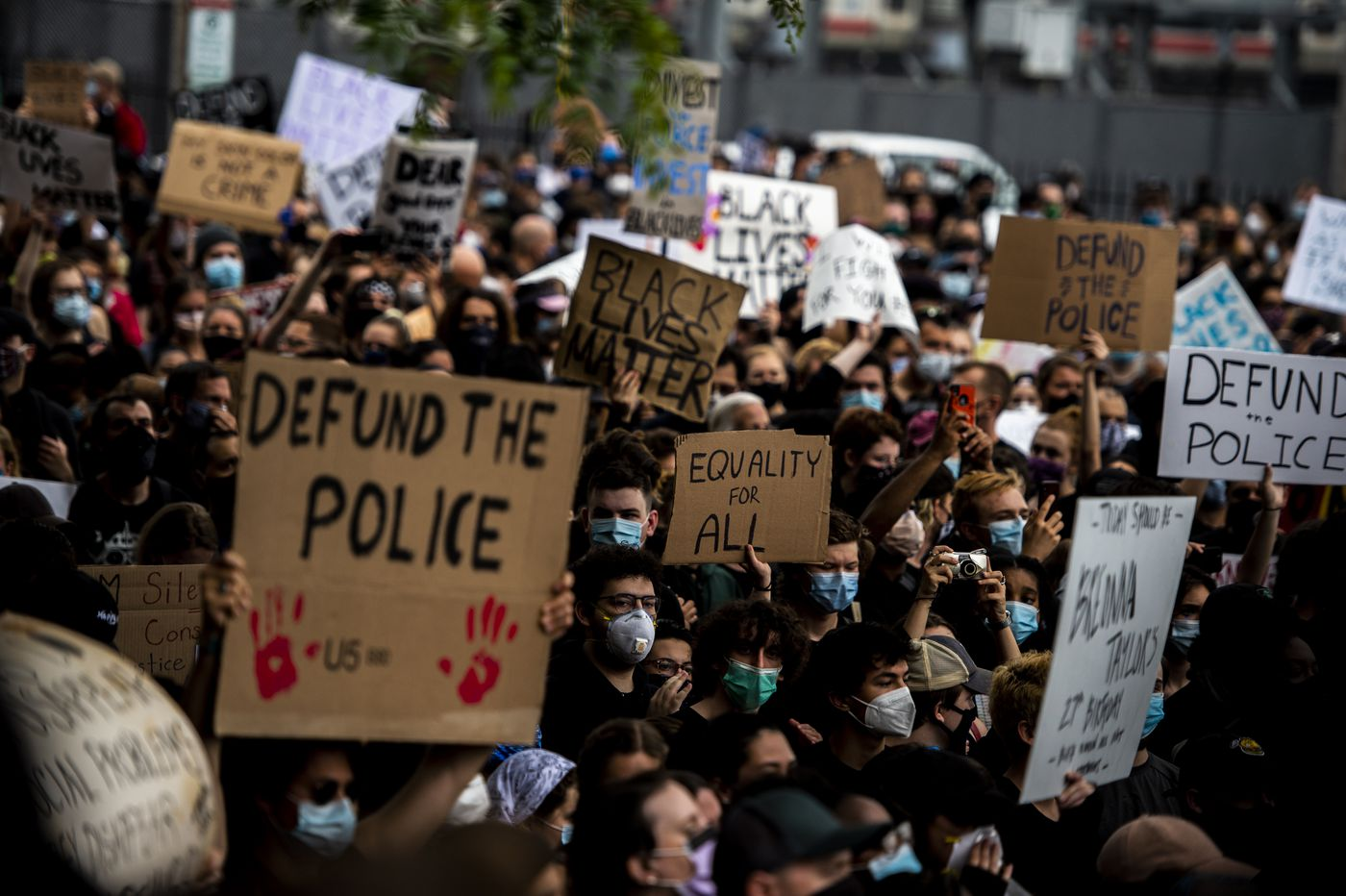 """Defund The Police"" And The Overwhelming Avalanche Of Mainstream Opinion"