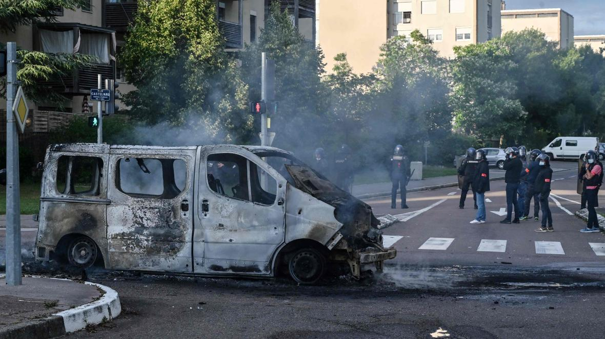 'Nothing To See Here': French Police Arrest Nobody As Chechen And Arab Gangs Clash In Dijon