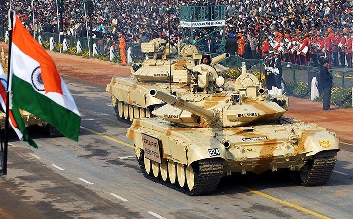 """India Sends Tanks Along Border To Prevent China """"Redefining"""" Line Of Actual Control"""