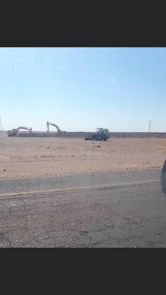 Video Shows Alleged Russian Mercenary Convoy Towards Sirte, As LNA Builds Berms And Trenches