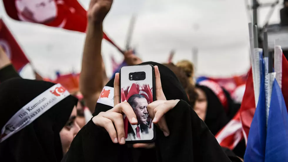 "Turkey Passes Bill To Control Social Media, But That ""Will Not Lead To Censorship"""