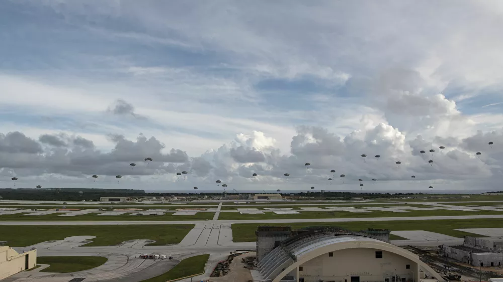 """More Than 400 Paratroopers Land In Guam, As Part Of Biggest Exercise """"In Memory"""""""