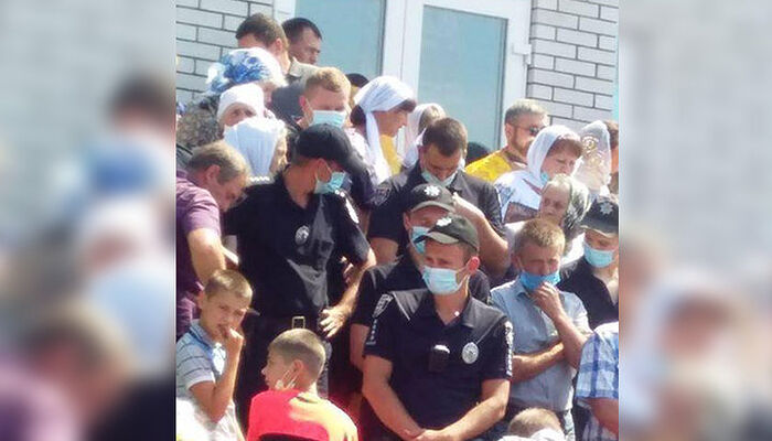 Government-Backed Radicals Seize Two More Canonical Parishes In Ukraine