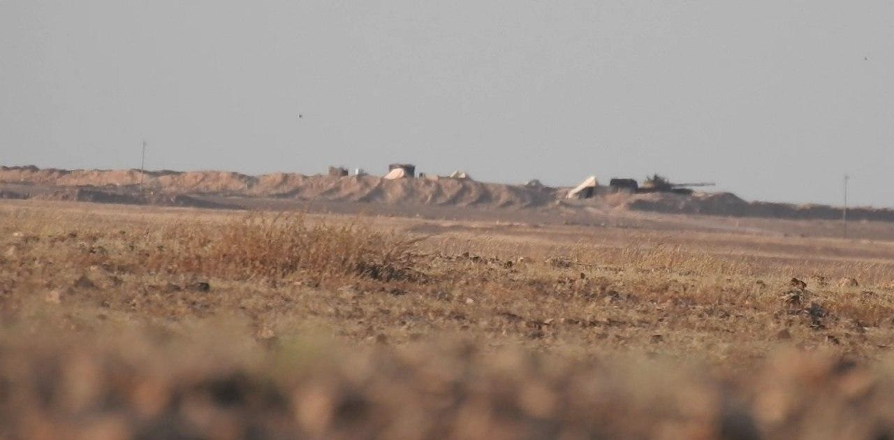 ISIS Terrorists Destroyed Syrian Army Tank In Deir Ezzor With Guided Missile (Photos)