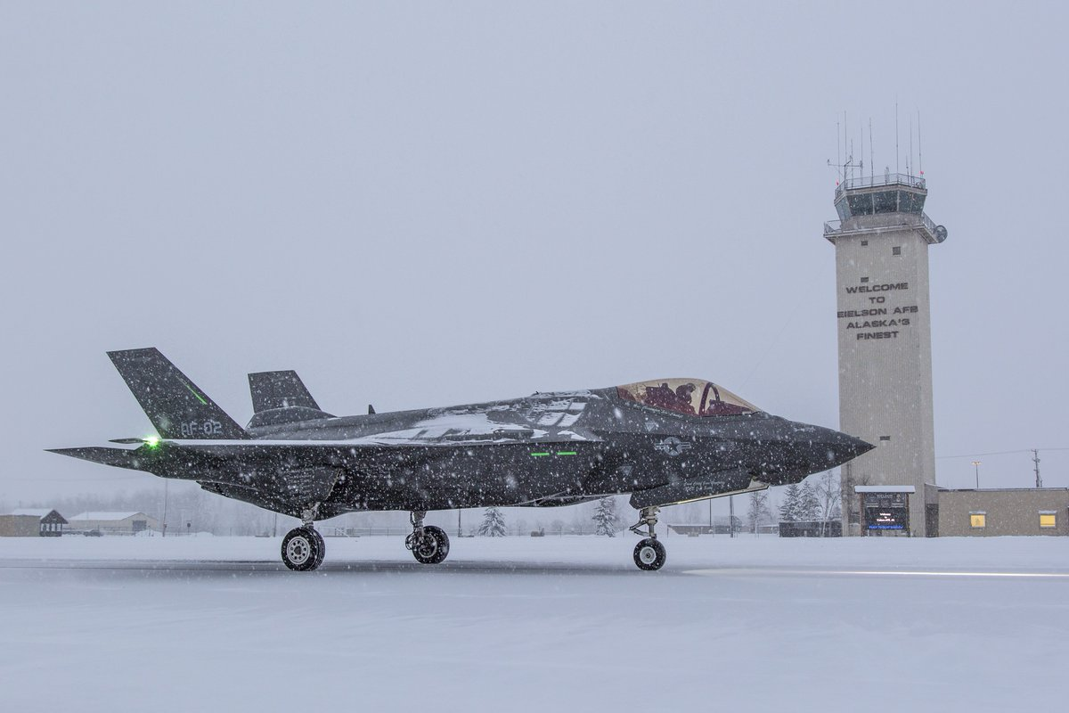 U.S. Air Force To Deploy Approximately 150 F-35, F-22 Fighter Jets To The Arctic