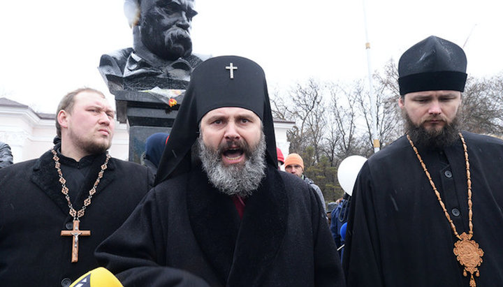 Russian Passports For 'Kiev Regime Patriots': Another Scandal In 'Independent' Orthodox Church Of Ukraine