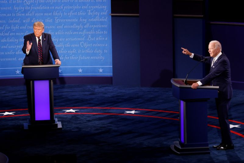 First US Presidential Debate Degenerates Into Unruly Slanging Match