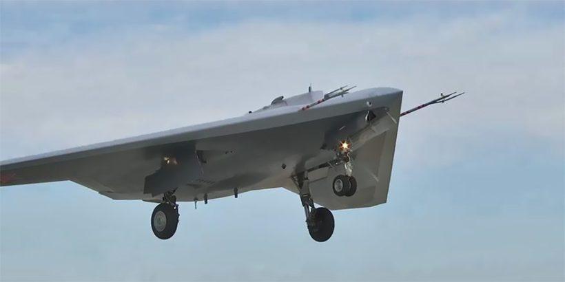 Photo Of Russia's First Ever Prototype Of S-70 Okhotnik Heavy Strike Drone, Alongside Su-57 Fighter Jet Released