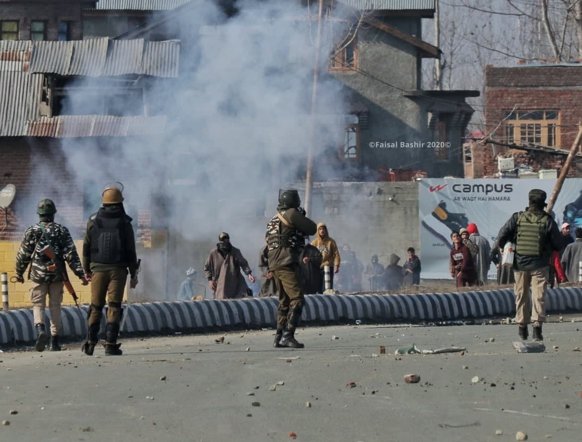 Indian Forces Counter-Terrorism Operation Resulted in Clashes With Islamists Supporters in Kashmir