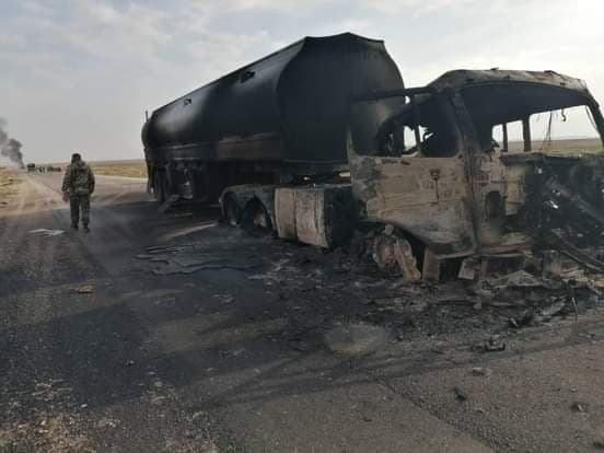 Photos, Video: Oil & Fuel Convoy Of Government Forces Ambushed In Central Syria