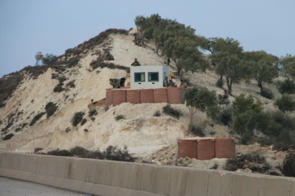 In Photo: Turkish Forces Are Setting Up Watch Towers On M4 Highway In Syria