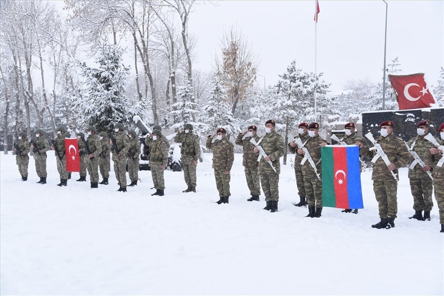 Turkey And Azerbaijan To Hold Large-Scale Winter Military Drill Near Armenia's Border