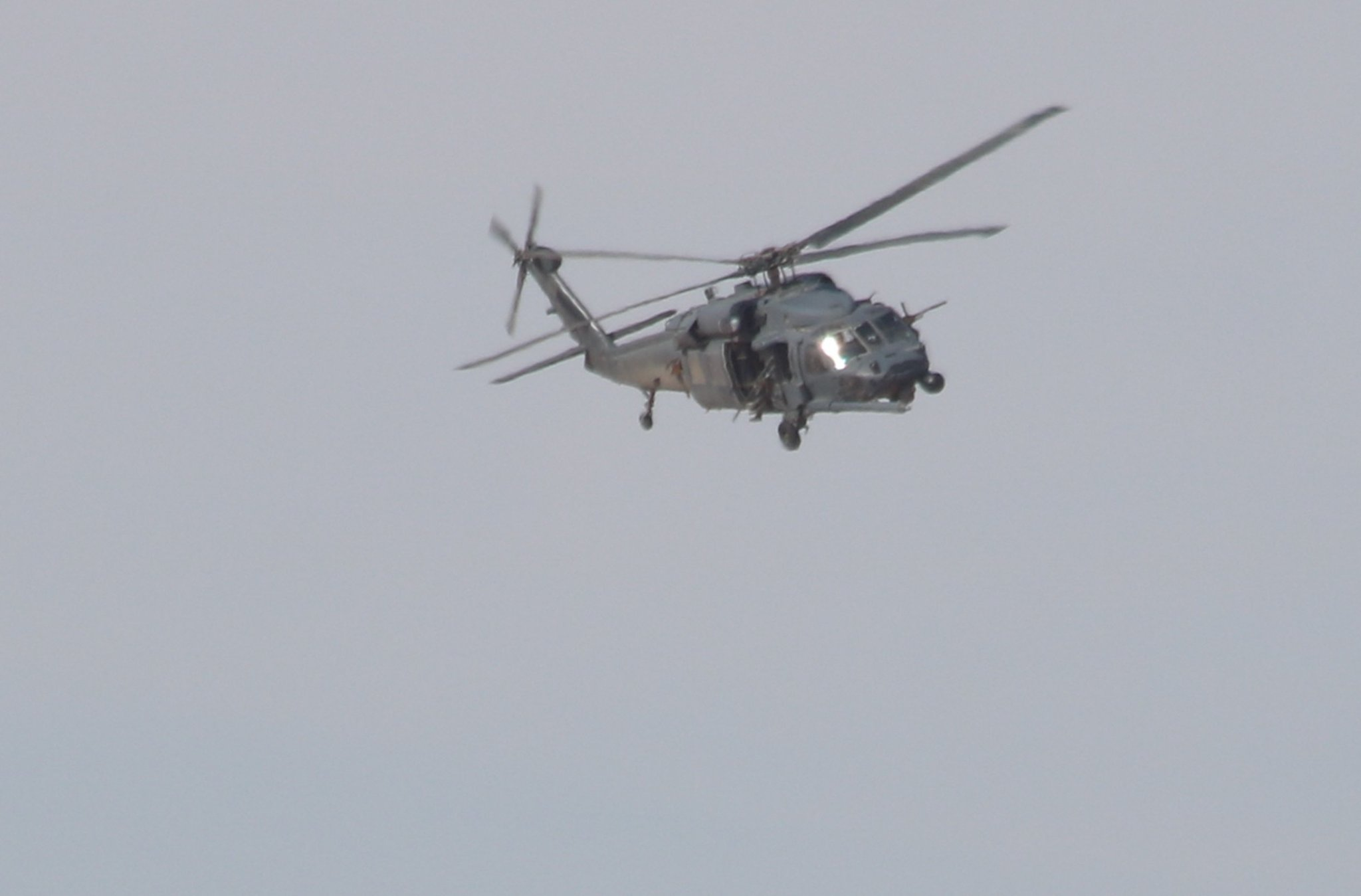 US 'Search & Rescue' Helicopter Spotted Over Al-Tanf In Southeastern Syria (Photos)