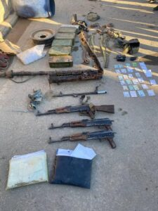 Syrian Army Uncovers Several Hideouts, Ammunition Depots Of ISIS Cells In Deir Ezzor (Photos)