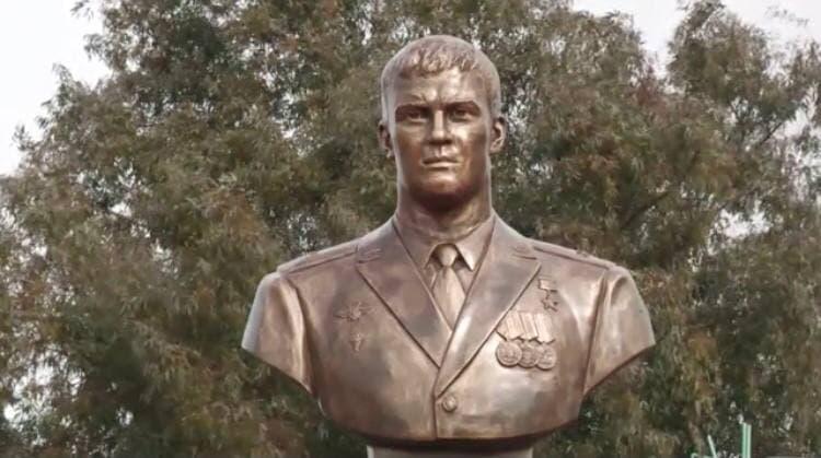 In Photos: Monument To Hero Of Russia Roman Filipov Established At Khmeimim Airbase In Syria